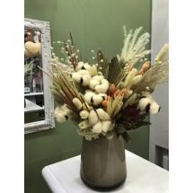 Ваза с сухоцветами